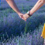 Sanovnik držanje za ruke – Šta znači sanjati držanje za ruke?